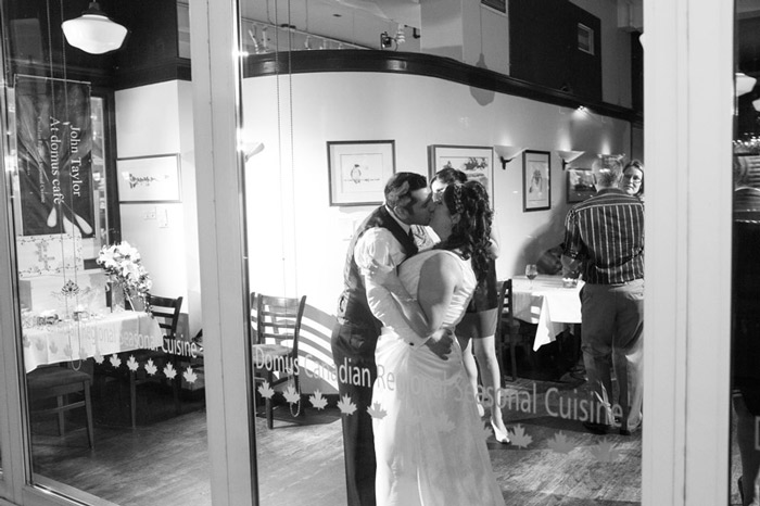Domus-Cafe-Wedding-Ottawa-Wedding-Photographer-kissing