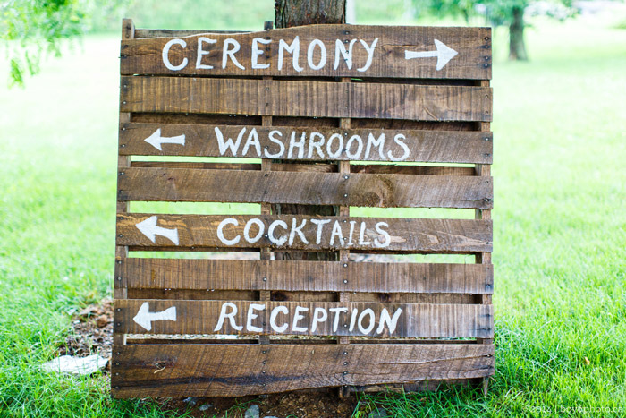 Ottawa-rustic-wedding-signs