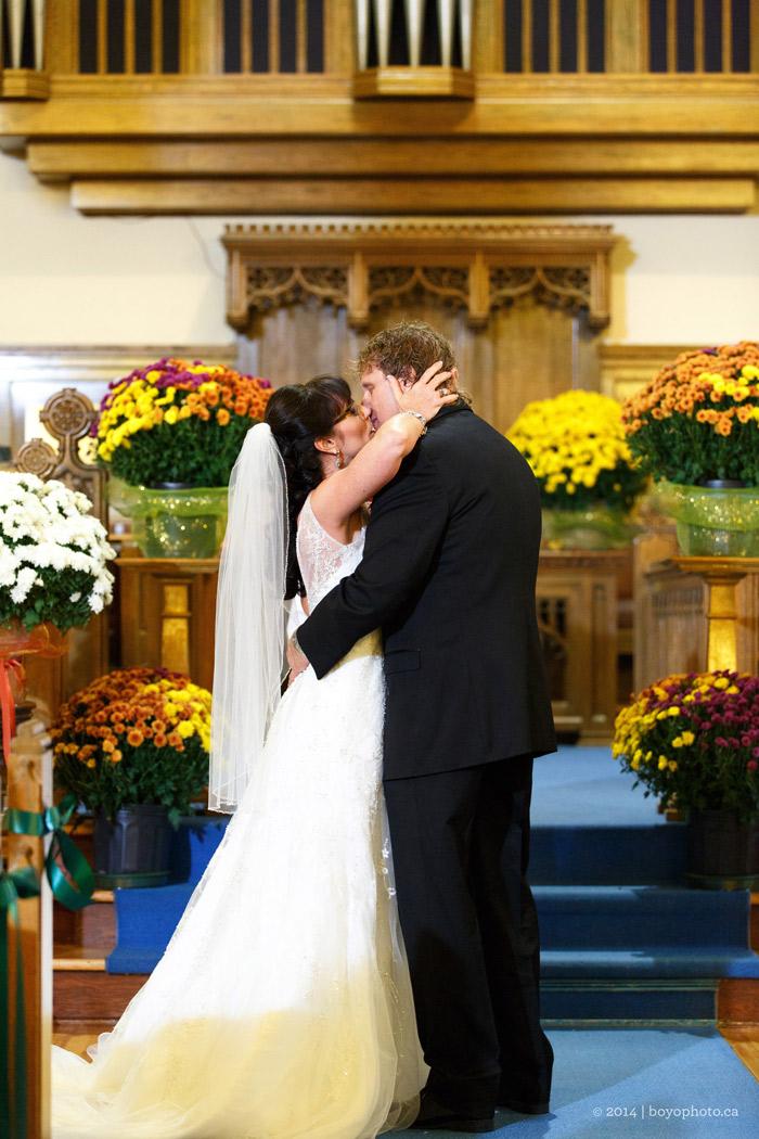 wedding-ceremony-at-Westminster-Presbyterian-Church