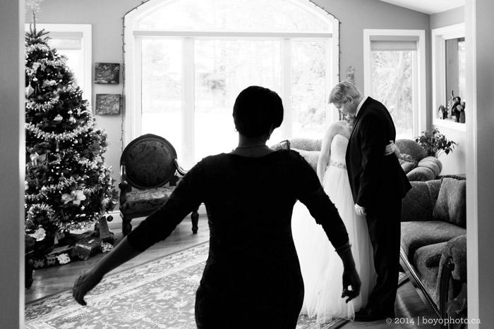 special-moment-between-bride-and-parents