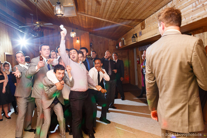 garter-toss-photo-ottawa-wedding-photographer