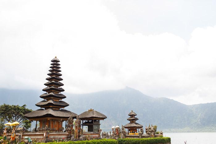 Taman Ayun temple bali indonesia