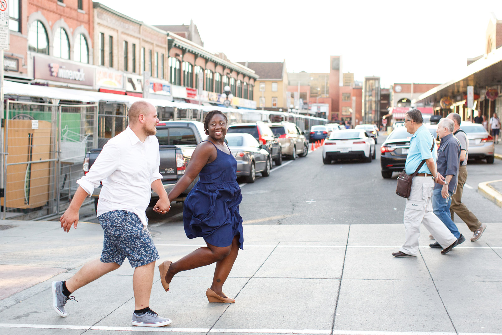 byward-market-engagement-session-photos